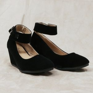 095385d20bc ... Black suede ankle strap wedge (Patricia-03) ...